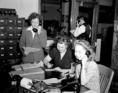 old timey phone operators enjoy reading customer service resumes